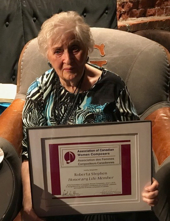 Roberta Stephen ACWC award-cropped